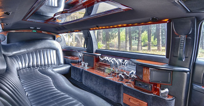 Belvedere 6 Passenger Lincoln Stretch Limousine
